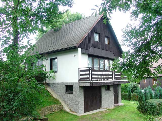 Bilíkova chata 1255 m/n.m. , v pozadí Lomnický štít 2634 m/n.m. - Vysoké Tatry, Slovensko